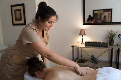 Nugaros masažas moterims
